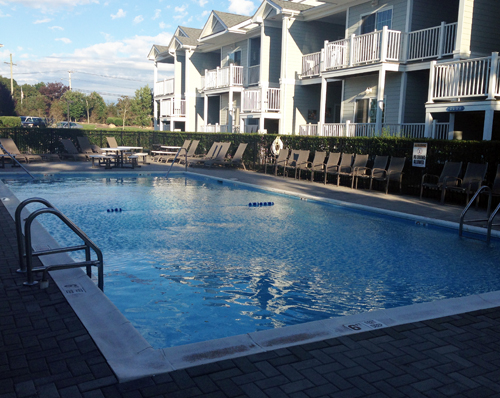 CYNDI MURRAY PHOTO | The pool at the Cliffside Resort Condominiums.