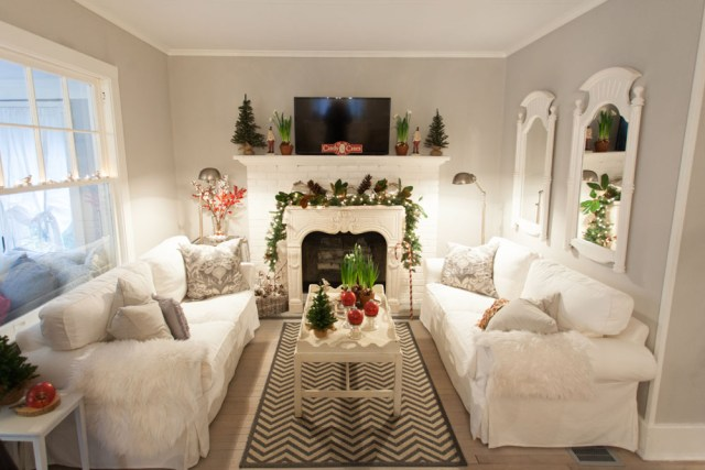 Cutchogue Holiday House tour