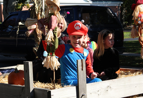 Town Board keeps candy throwing at parades in check. (File photo)