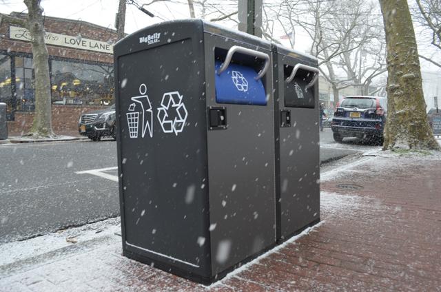 Love Lane trash cans