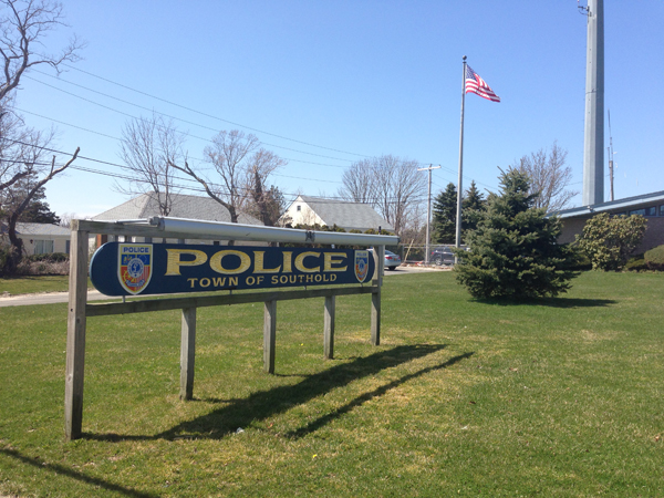 Southold police cops scops