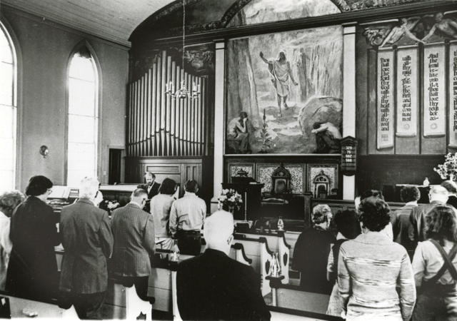 The interior of First Universalist Church of Southold during a service in the 1980s. (Credit: The Southold Historical Society)