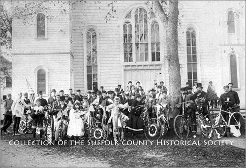 A group photo of Greenport residents circa 1890 in front of the Presbyterian Church. (Credit: Suffolk County Historical Society)