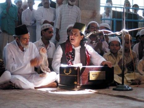 Qawwals during the 'urs of Khwaja Usman Haruni