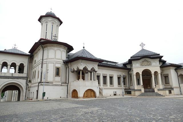 București, să luminăm umbrele (VIII) : Dealul Patriarhiei, între istorie și religie