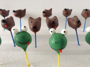 Dear Zoo cake pops: Frog and dogs