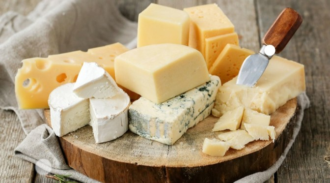 5 Healthiest Cheeses to Eat!