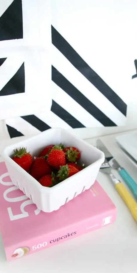 DIY Geometric Table Linens by Ashley Rose of Sugar & Cloth, a top lifestyle blog in Houston, Texas