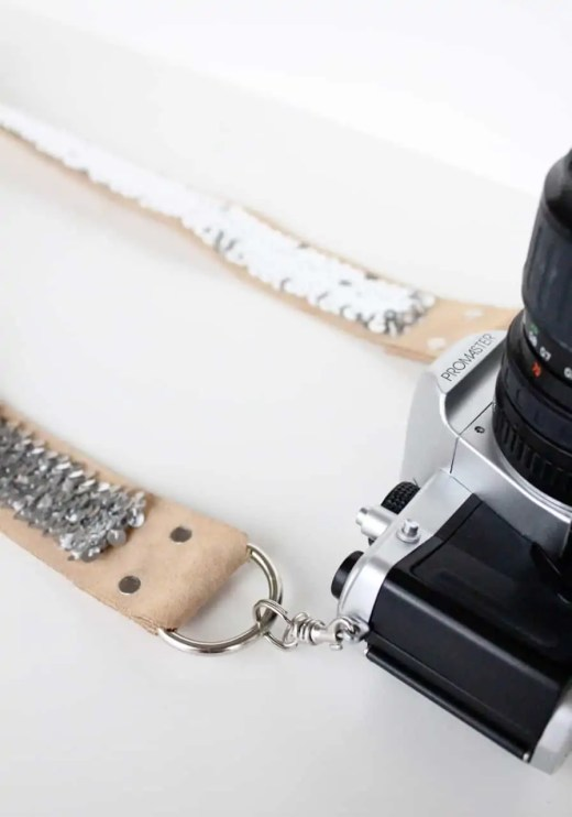 DIY no sew sequin camera strap by sugar and cloth