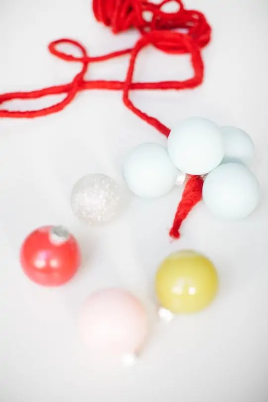 DIY color clock ornament garland - Sugar & Cloth - Holidays - DIY - Houston Blogger - Home Decor