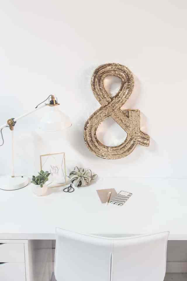 DIY jumbo sequin monogram | sugarandcloth.com
