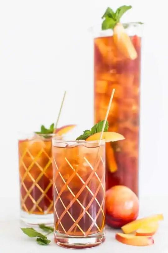 peached iced tea cocktail recipe | sugar & cloth