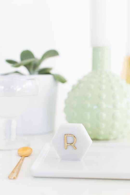 DIY Marble Hexagon Place Cards-3