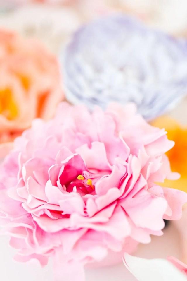 DIY sugar flower cake - sugar and cloth - spring