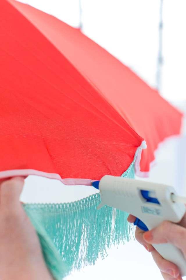 The cutest DIY retro beach umbrella for under $100 by Sugar and Cloth! - houston blogger - summer