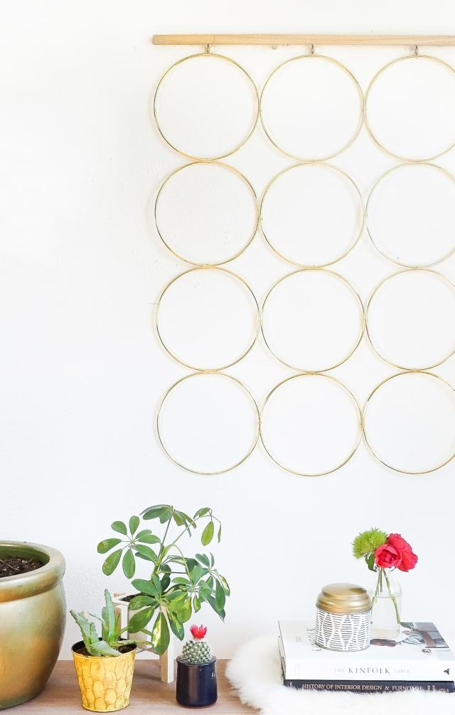 A simple and sophisticated DIY brass ring wall decor to hang at home! - sugar and cloth