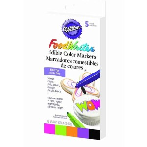 These Wilton Food Writer Edible Color Markers are some of Sugar & Cloth's favorite DIY supplies.