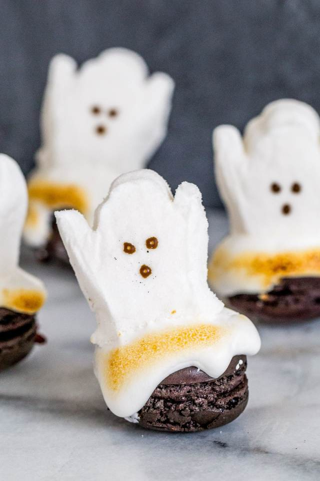 DIY Melting Ghost Halloween Macarons - sugar and cloth - best DIY blog - macarons - houston blogger - ashley rose - entertaining blog