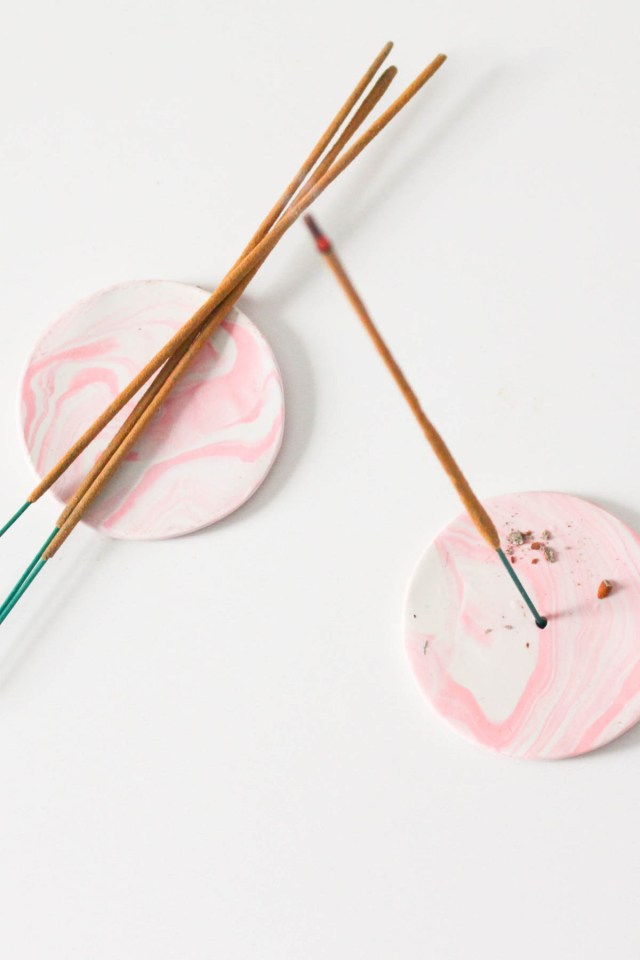 DIY Clay Rose-Marbled Incense Holders by Sugar & Cloth, an award winning DIY blog.