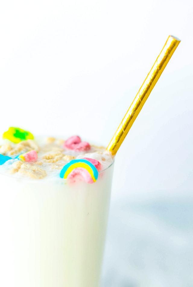 Boozy Cereal Milk Egg Cream by Sugar & Cloth, an award winning DIY, home decor, and recipes blog.