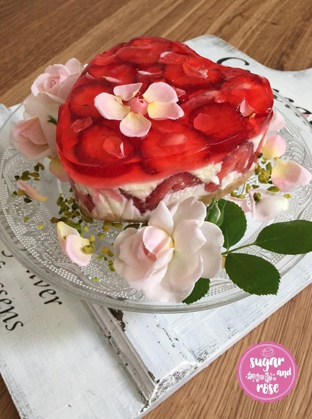 S&R-Erdbeer-RosenCake3