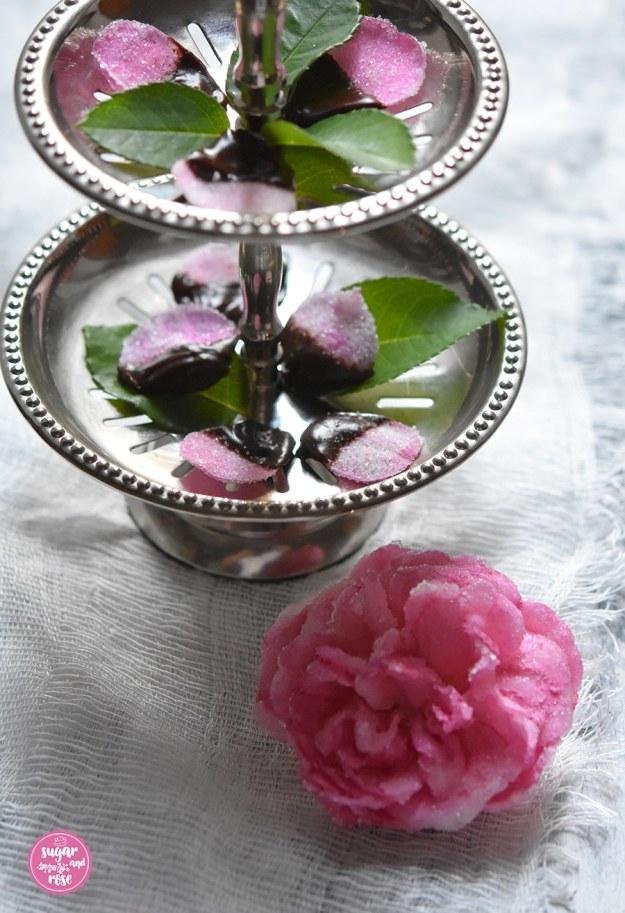 Kandierte-Rosenblueten1