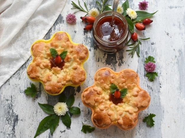 Apfel-Hagebutten-Pie