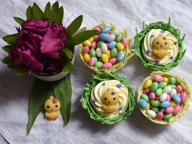 Schokoladennesterl mit Eierlikörcreme