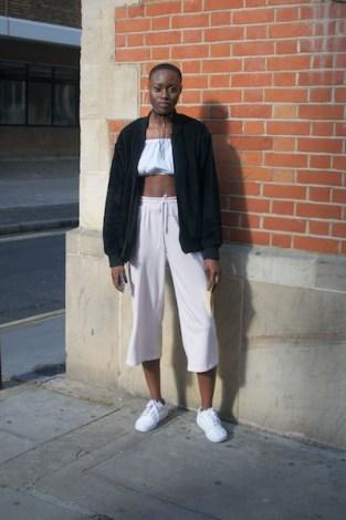Shekinah dice que su estilo es casual, deportivo y a veces masculino. Le gusta lucir dulce, cómoda y con libertad de movimiento.