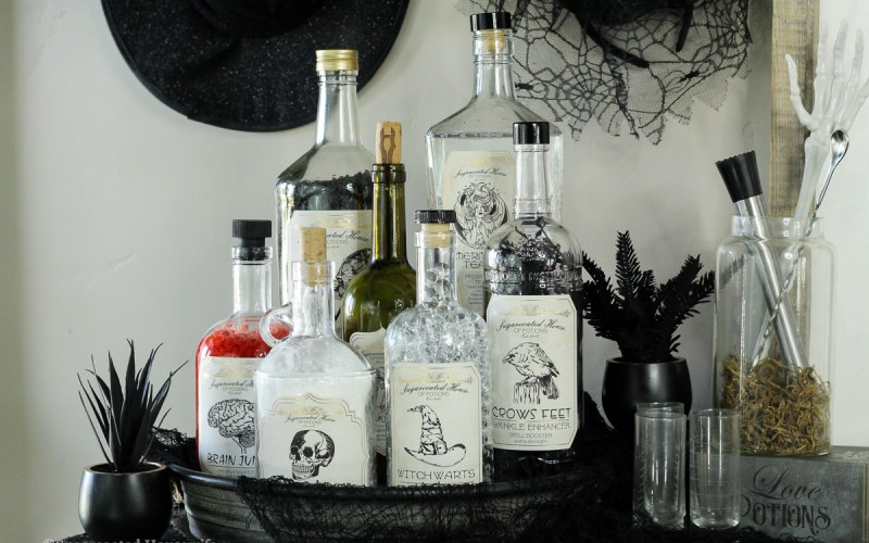 DIY Halloween decor using Cricut Foil Transfer System