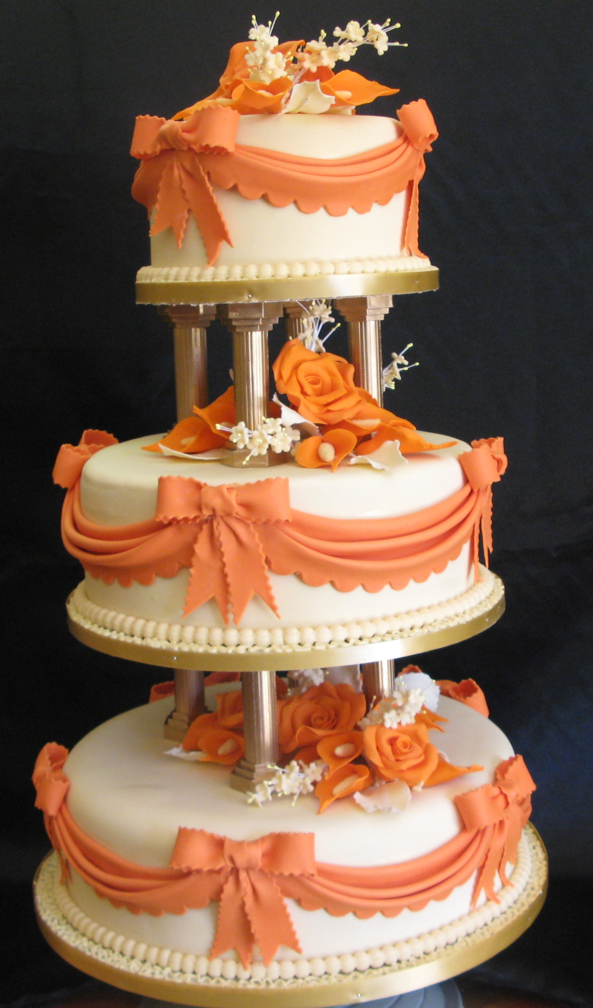 Three Tier Wedding Cake Roses And Lilies Cake Studio