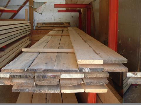 Rough_lumber_1