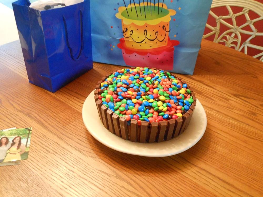 Kit Kat Cake (1/4)