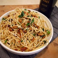 Olive Oil and Garlic Sauce Pasta