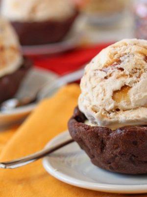 Chocolate Cookie Ice Cream Cups | SugarHero.com