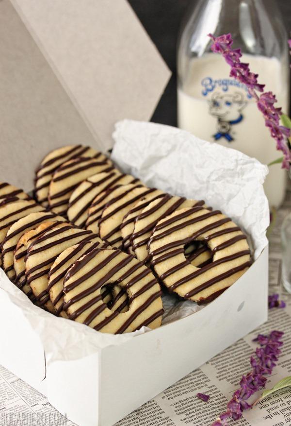 Fudge-Striped Shortbread Cookies | SugarHero.com