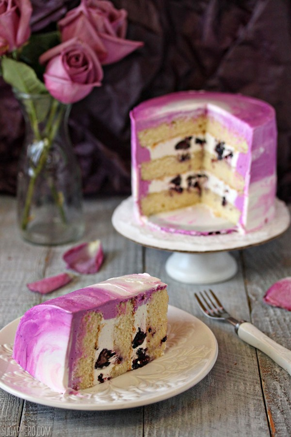 Radiant Orchid Mini Cakes | From SugarHero.com