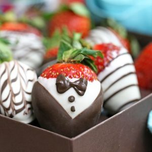 Chocolate Covered Strawberries 5 Ways | From SugarHero.com