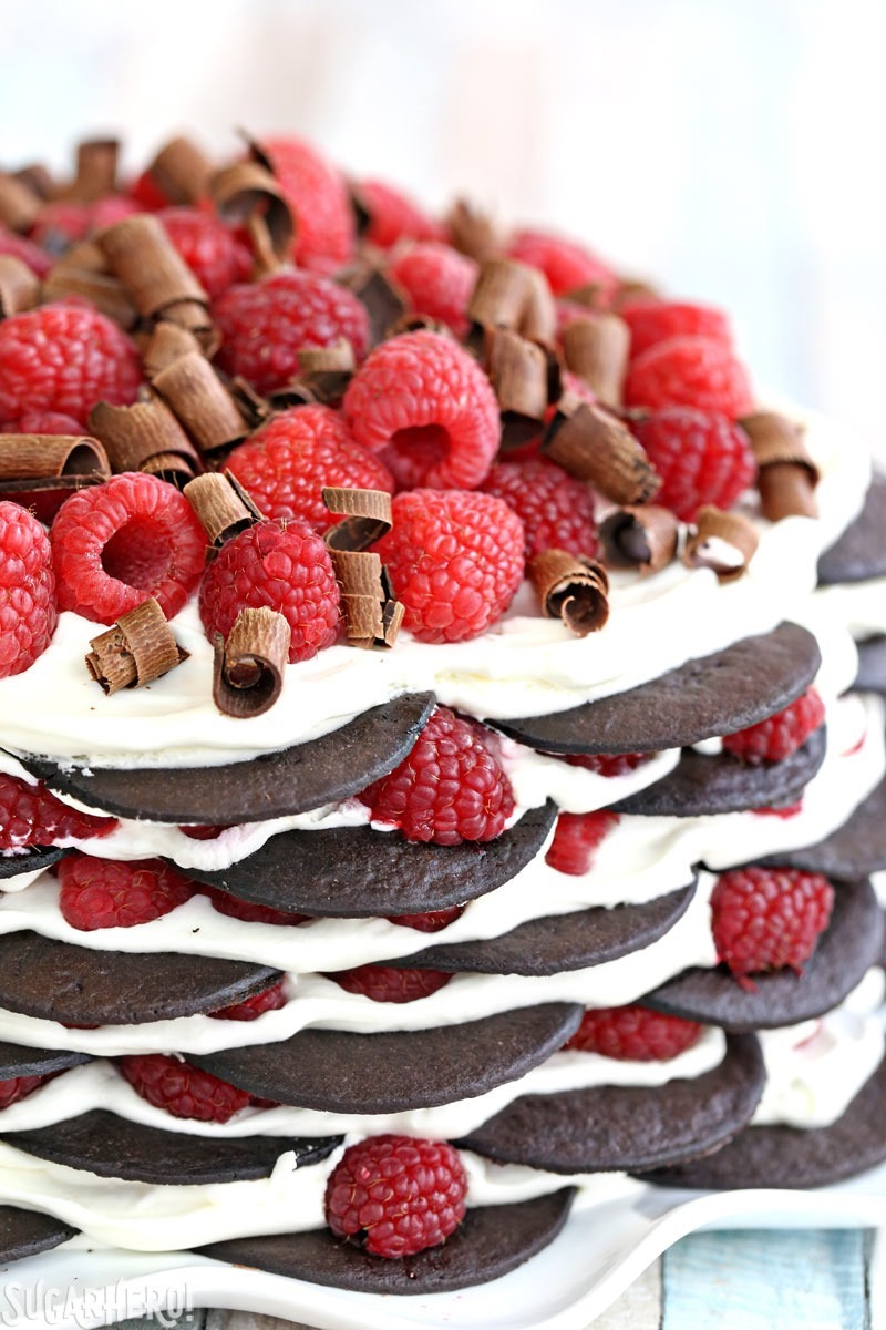 Chocolate Raspberry No-Bake Cake - an easy icebox cake made with just 6 ingredients! | From SugarHero.com
