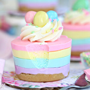 Easter No-Bake Mini Cheesecakes | From SugarHero.com