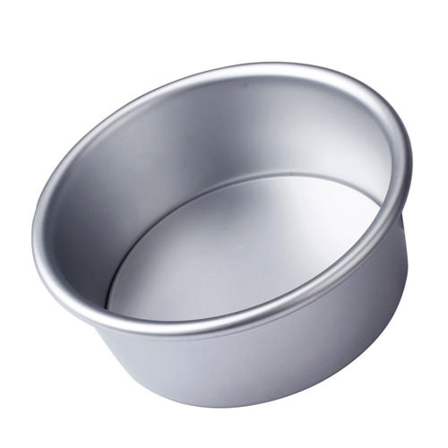 4-inch cake pan | From SugarHero.com