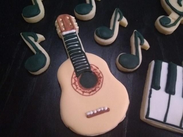 guitar music royal icing sugar cookie