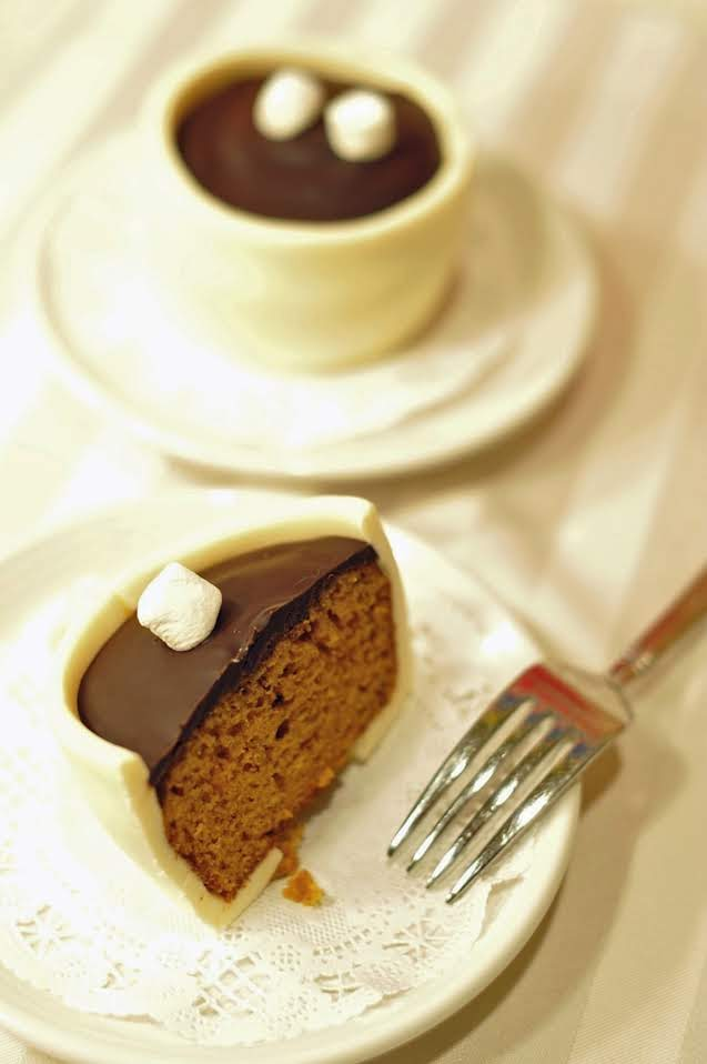 hot cocoa cup cakes