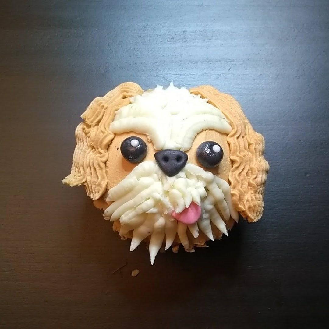 hound dog cupcake