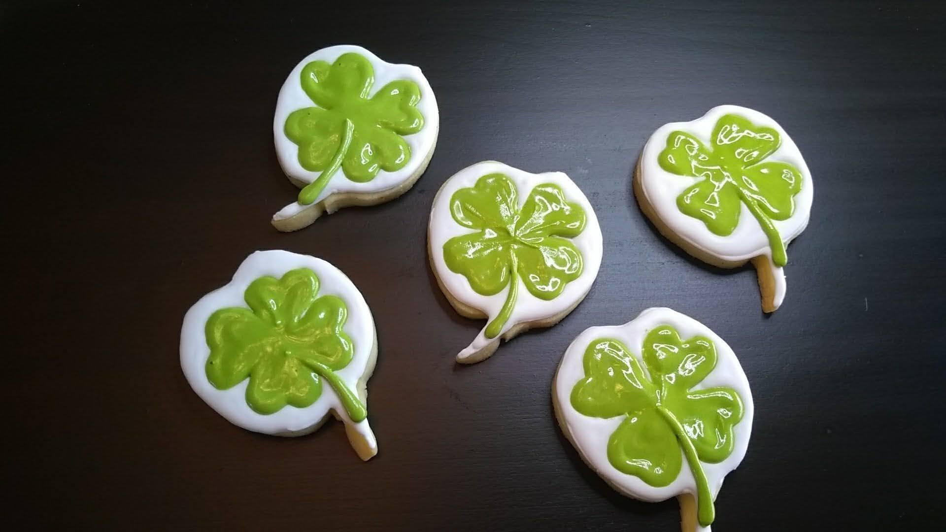 four leaf clover cookies