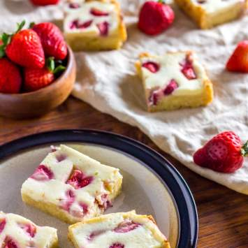 Chewy White Chocolate Berry Cheesecake Keto Blondies (Low Carb, Sugar Free, Gluten Free)