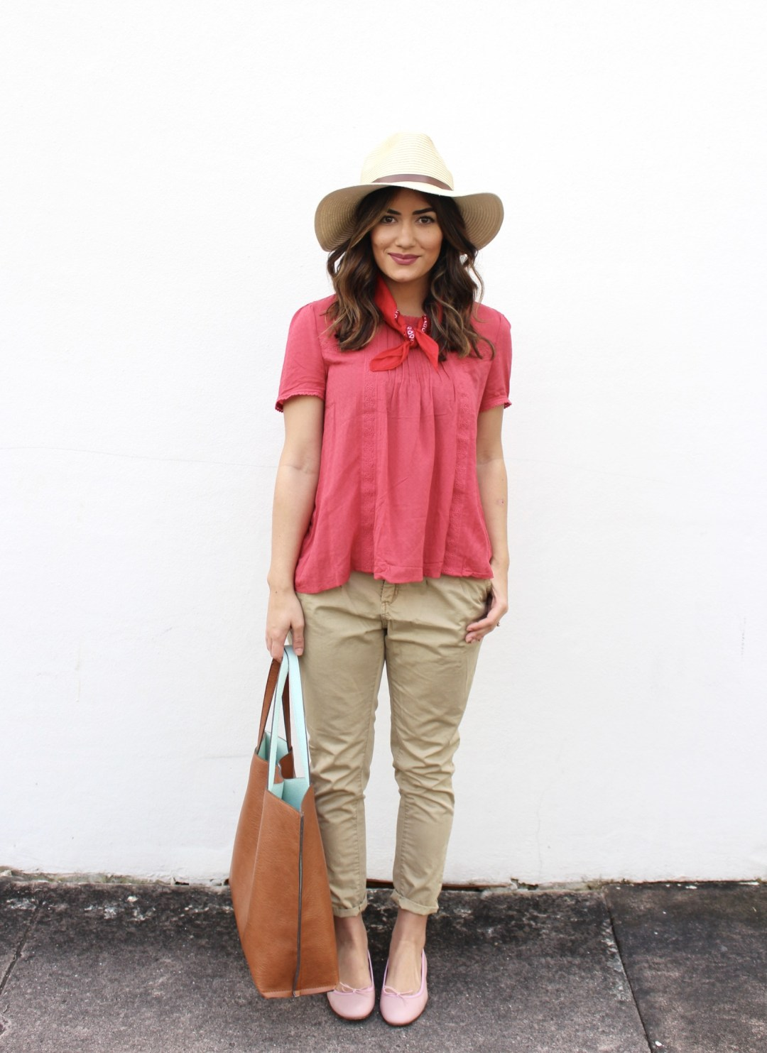 casual fashion blogger outfit