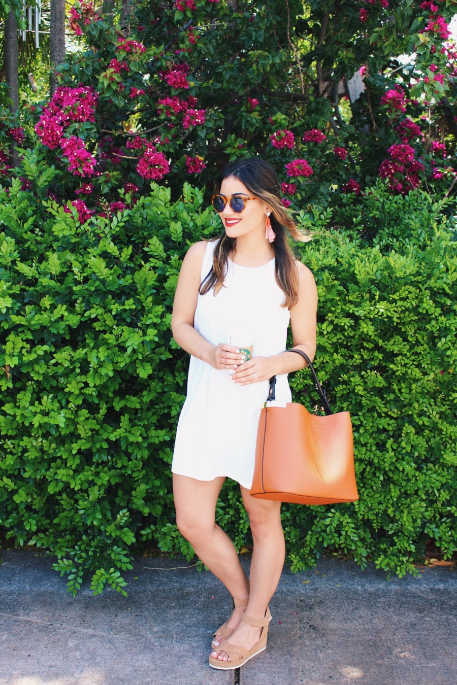 White Linen Dress - Fashion Blogger
