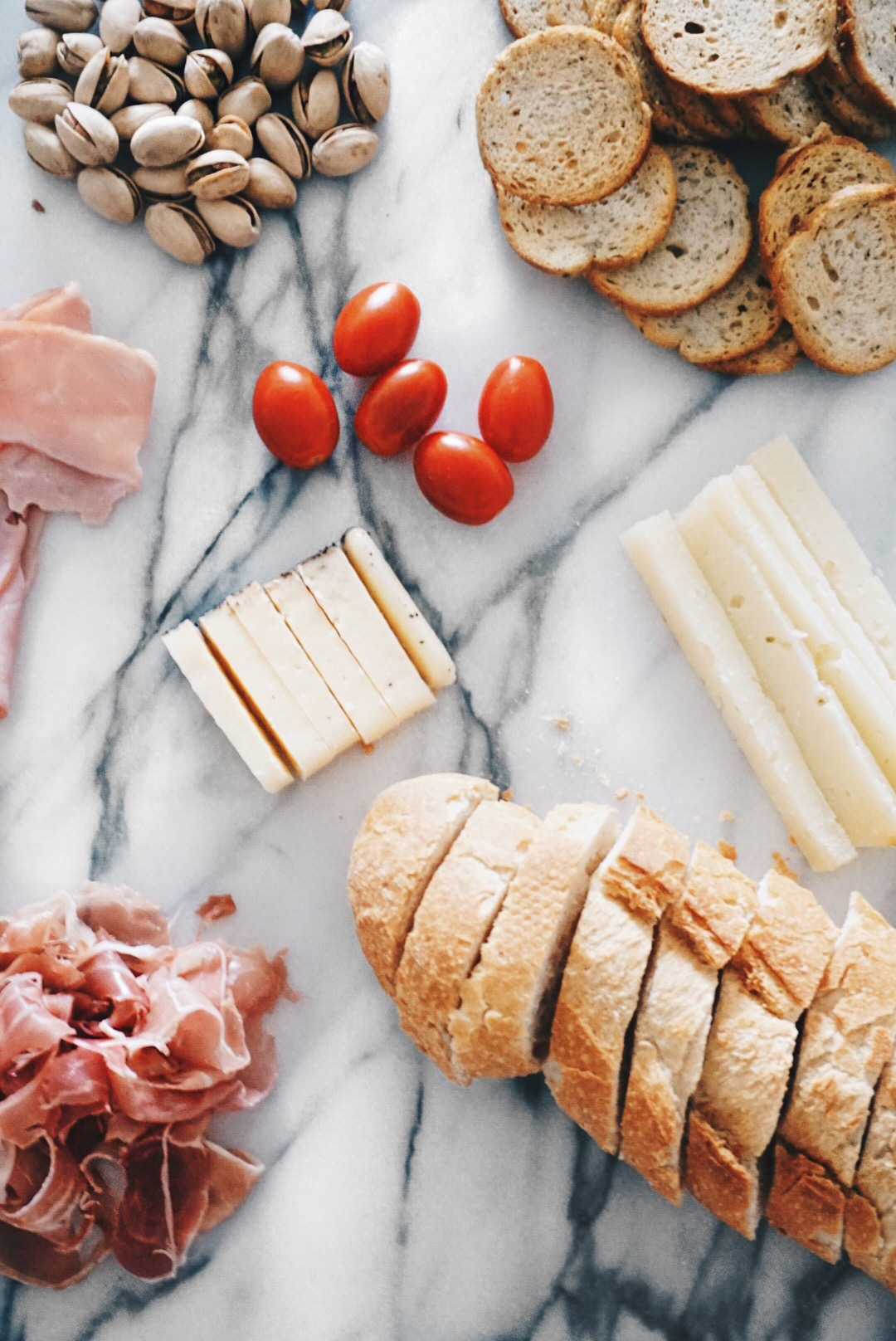 Sugar Love Chic blogger Krista Perez shares how to make a charcuterie board
