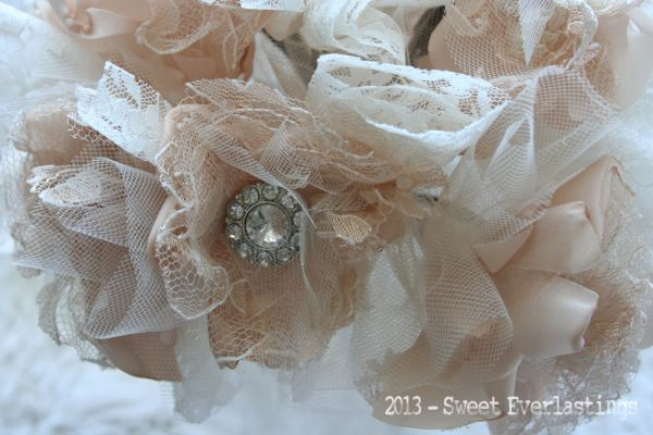 champagne&lace fabric bouquet